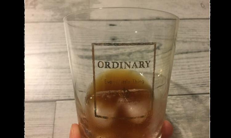 LUZI(ルーツー)エキストラコラーゲンを飲んでみると甘い・酸っぱい・苦い、と効いてるって感じの味。ただちょっと飲みにくいので氷を入れてみた口コミ感想とレビュー
